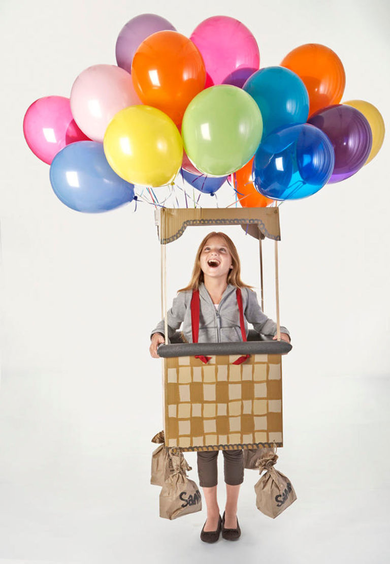 http://www.countryliving.com/diy-crafts/a3011/balloon-halloween-costume-1009/
